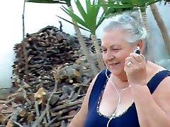 bbw italiano abuela llama el abuelo a la mierda