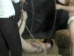 Slim Asian chick gets stretched and vibed with ropes