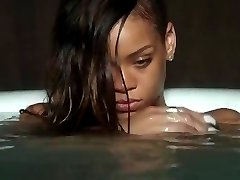 Rihanna - Stay (Nude bath)