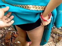 INDIAN AUNTY Funbags AND Slit SHOW WITHOUT FACE
