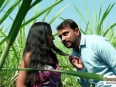 Desi indian woman romance in the outdoor jungle - teenager99 - indian short film