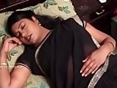 INDIAN telugu housewife CHEATED BY THE Therapist