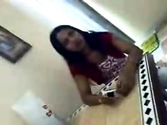 Indian Desi Splashing Orgasm Her Desi Snatch On Webcam