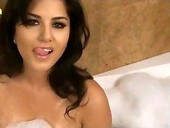Sunny Leone XXX Πορνό Hd Σεξ Βίντεο Ηλιόλουστη λεόνε υγρό μεγάλα βυζιά www.xjona.com