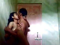(DirtyCook) Indian GF plowed in the bathroom