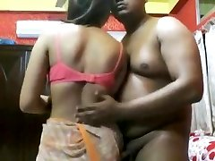Jaw-dropping Indian mature girl poke by an assho**(CHUTI**)