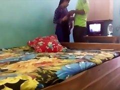 vyras fucj savo žmona pirmą kartą