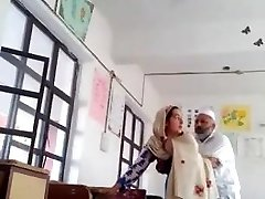 Desi head master fuck urdu schoolteacher school affair caught mms