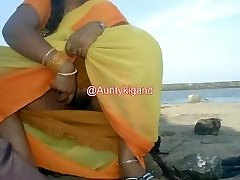 Aunty Flashing her vag and gand in red slcks.mp4
