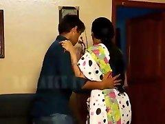 romance de dona de casa indiana