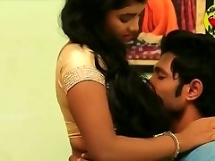 Navel romance - newly married couple