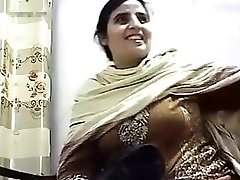 Pakishtani milf sex with Store Owner