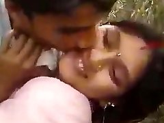 Desi wife cheating with lover in field outdoor shag
