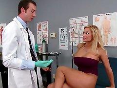 Chesty blondie Shyla Stylez makes her gynecologist lick her pussy