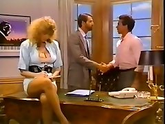 Hussy secretary gets her pussy fucked on the boss's table