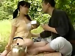 Asian YOUNG COUPLE FUCKING OUTSIDE