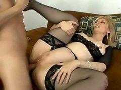 Old-school Nina Hartley gets butt fucked