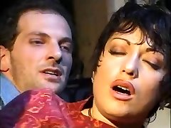 Hawt italian mature gets anal!