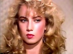 Traci Lords Loves Yellow Spunk-pump