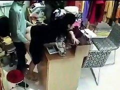 مدرب الجنس مع موظف وراء تسجيل النقدية في الصين