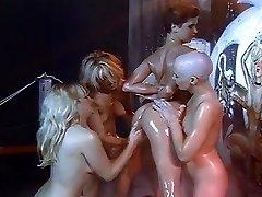 Lésbicas óleo de barbear e orgia