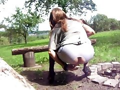 pounding my cunt Outdoor