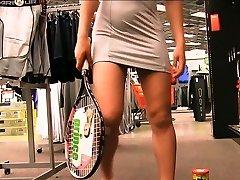 Preciosa anglosajona raquet injection in public store objet