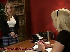 Tranny romps a schoolgirl