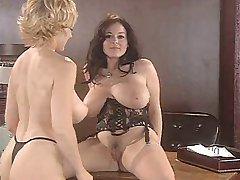 Danni Ashe ja Lorna Morgan