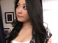 جميلة الآسيوية وقحة الحصول على مارس الجنس