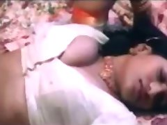 B Grade ایرانی فیلم Tuntari شب اول رابطه جنسی از دختر هندی