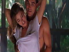 Denise Richards and Neve Campbell Wild Things