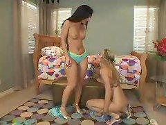 Lesbian Strapon