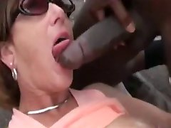WHITE CUCKOLD COUPLE DOGGING WITH HIS DLACK MALE
