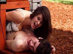 زوي ديشانيل مضحك مشهد الجنس في فتاة جديدة