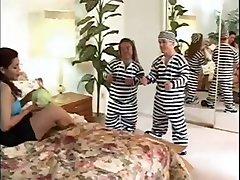 Anão prisioneiros & um latino-Rayra