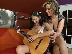 Girls & Toys 319