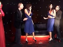 British Lady twins and friend get plumbed on stage