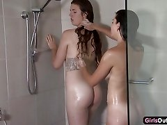 Unexperienced lesbian showering and fingering