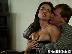 Muddy assistant Franceska Jaimes drills her boss on his desk - Digital Playground