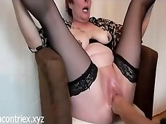 Mature Extreme Fisting with Orgasm Pumping Out