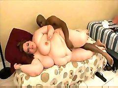 Очень толстые сучки хотят иметь слишком большой незабываемые оргазмы