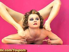 Hot Flexible girl at Gymrotic (HD)