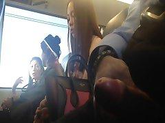 флеш азиатки на поезд