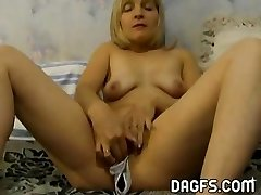 Wife wears panties inside her poon