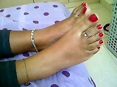 adolescente indiano pés