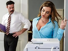 Natasha Nice & Charles Dera i Office Initiation - Brazzers