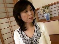 Breasty יפנית סבתא דפק ניסיון