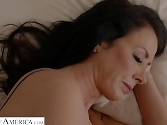 Reagon Fox: My Friends Red-hot Mom