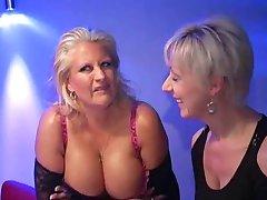 Robyn-Busty Bukkake Mamma